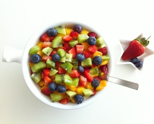 Myrtilles, fraises et kiwis